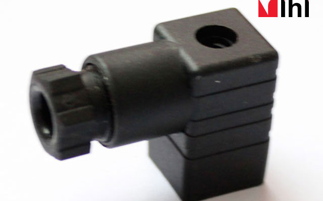 Solenoid-Plug-2